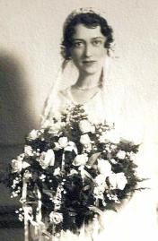 Myndal Wedding Head